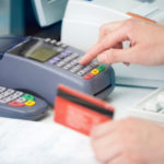 Coraz więcej transakcji bezgotówkowych, pomimo wysokich prowizji