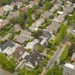 Rekompensaty dla właścicieli działek za linie, słupy i rury