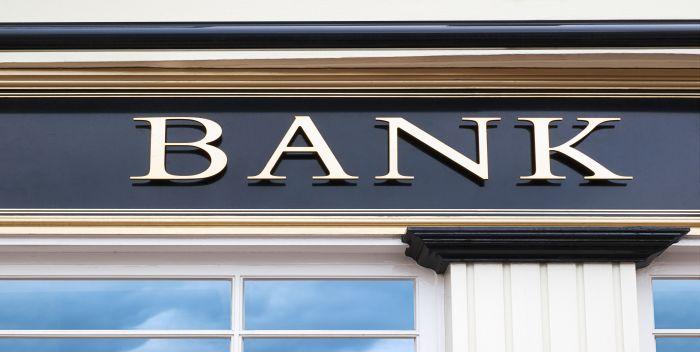 Tradycyjne placówki czy bankowość elektroniczna?