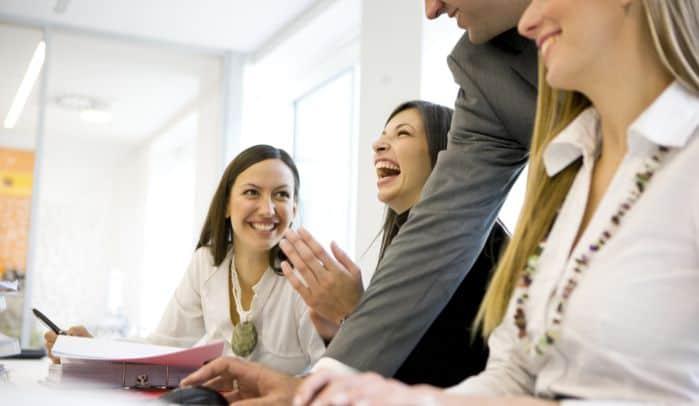 AdForce joga smiechu a efektywność pracy