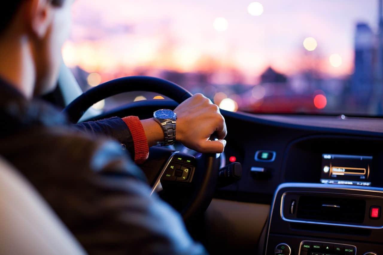 Ubezpieczenie samochodu - co robić, by uniknąć zwyżek w opłatach?