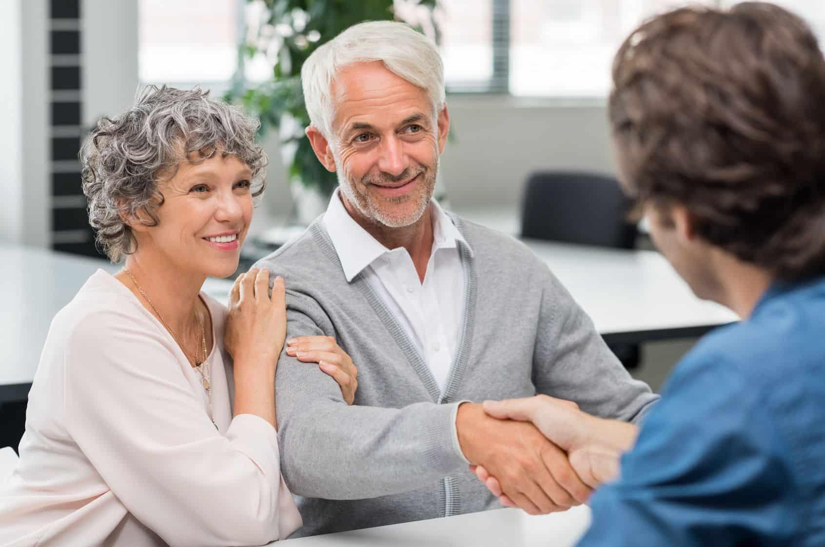 Kredyt gotówkowy na atrakcyjnych warunkach? Sprawdź, gdzie pożyczyć pieniądze.