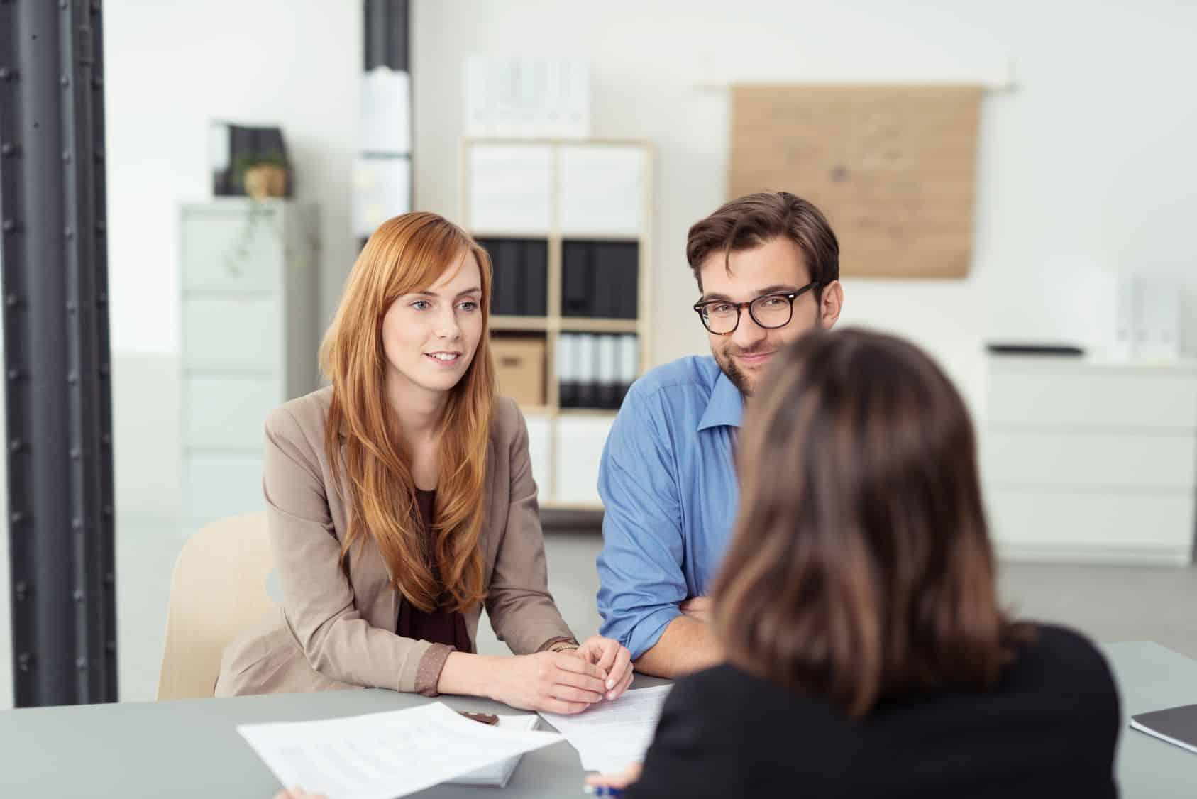 Szybkie pożyczki online, przez telefon czy w placówce - jakie udogodnienia oferują firmy pożyczkowe?