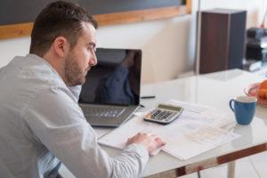 Czym jest opłata adiacencka?