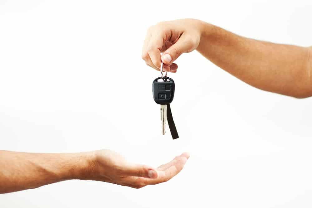 Kupujesz samochód z drugiej ręki? Zobacz, co zrobić z ubezpieczeniem OC