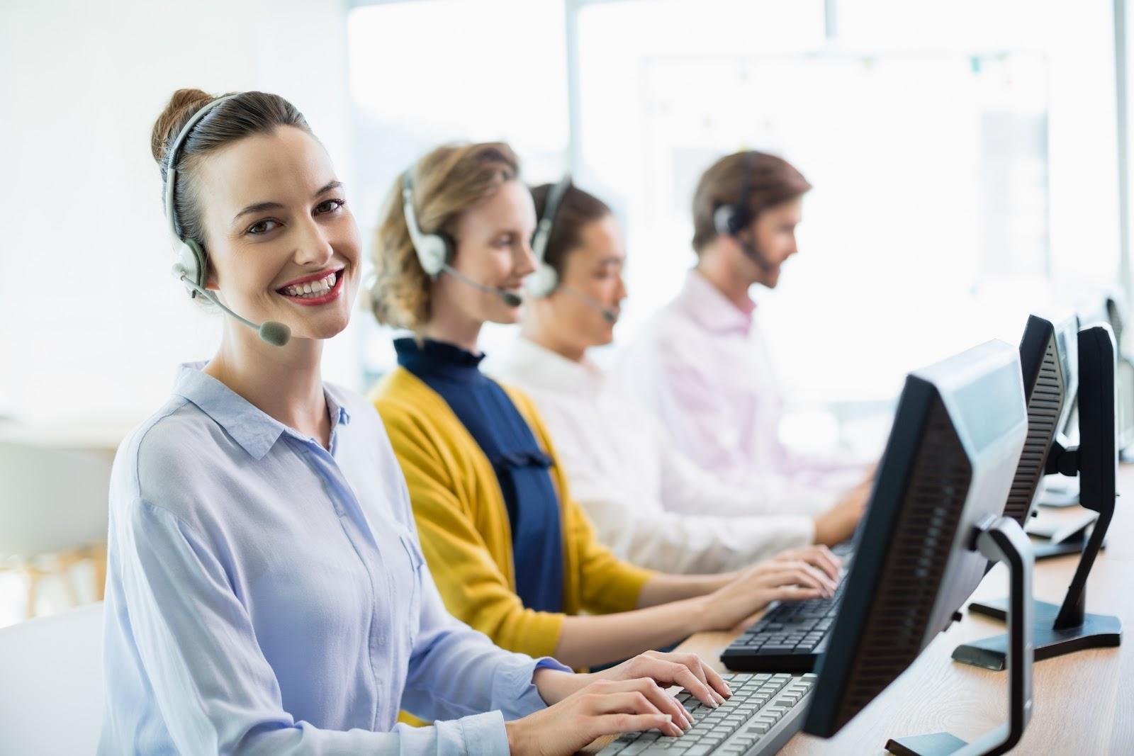 Dlaczego warto korzystać z usług call center